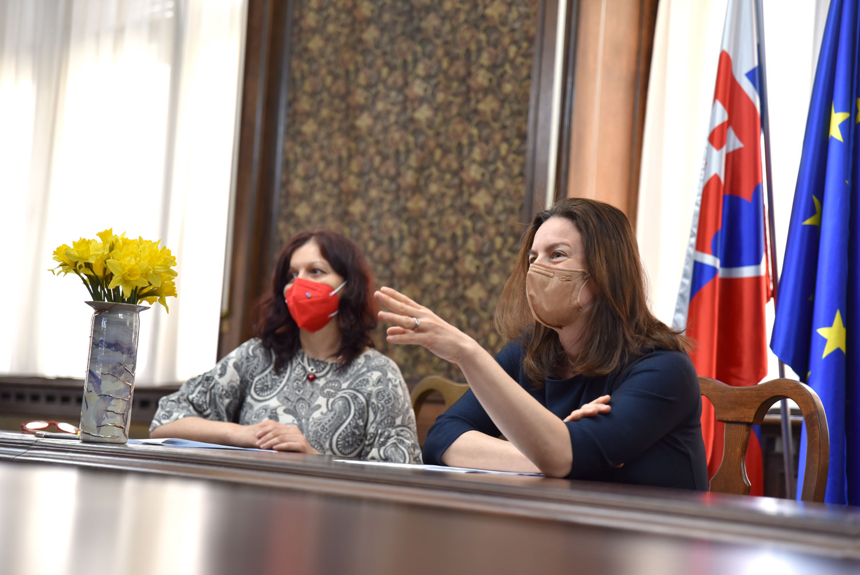 ministerka Natália Milanová a štátna tajomníčka Zuzana Kumanová