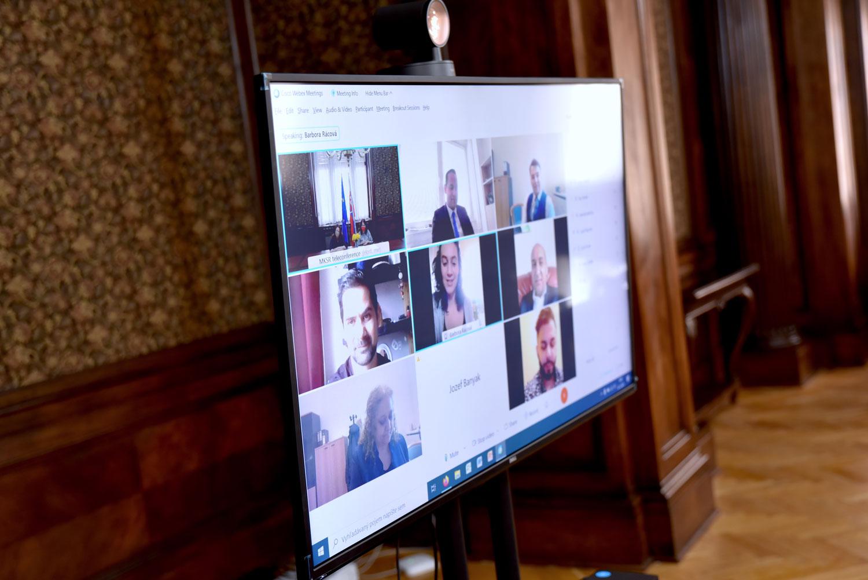 on-line konferencia pri príležitosti Dňa Rómov